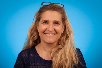 Dr. Claudia Dos Santos