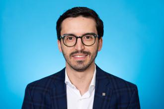 Dr. David Gomez